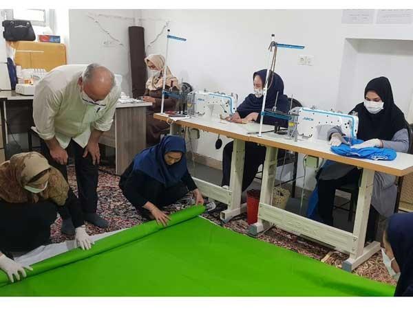 کمکهای داوطلبانه هنرمندان صنایعدستی به بیماران کرونا/ دوخت 10هزار ماسک و کاور بهداشتی توسط هنرمندان گلستانی