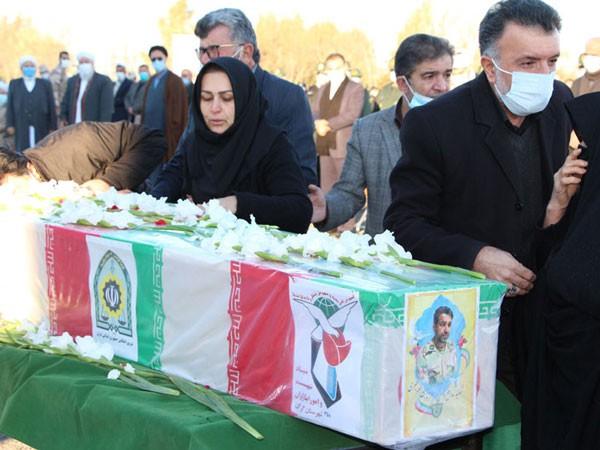 مراسم تسییع پیکر شهید مدافع وطن و امنیت پایدار نبی الله خطیری /تصاویر